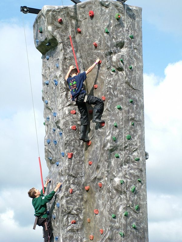climbing wall at mojo active